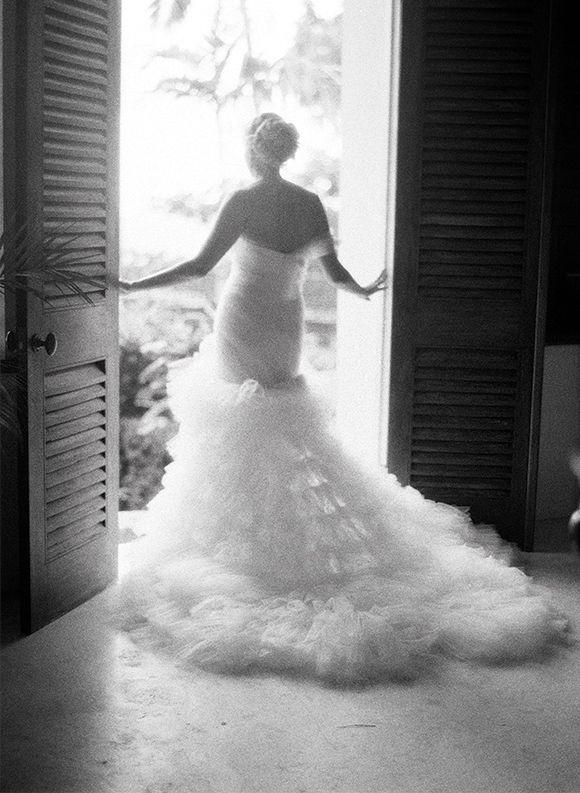 Love this whole elegant wedding in Jamaica shot by Elizabeth Messina