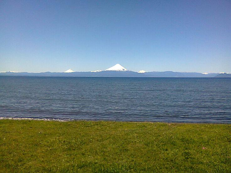 Lago Llanquihue y Volcán Osorno, Frutillar.