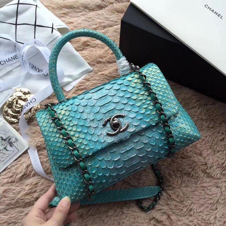 2018 Chanel Handbags and Purses #women'sdesignerhandbagsbrands #women'spursesandwallets #Chanelhandbags – DANA PFEFFER