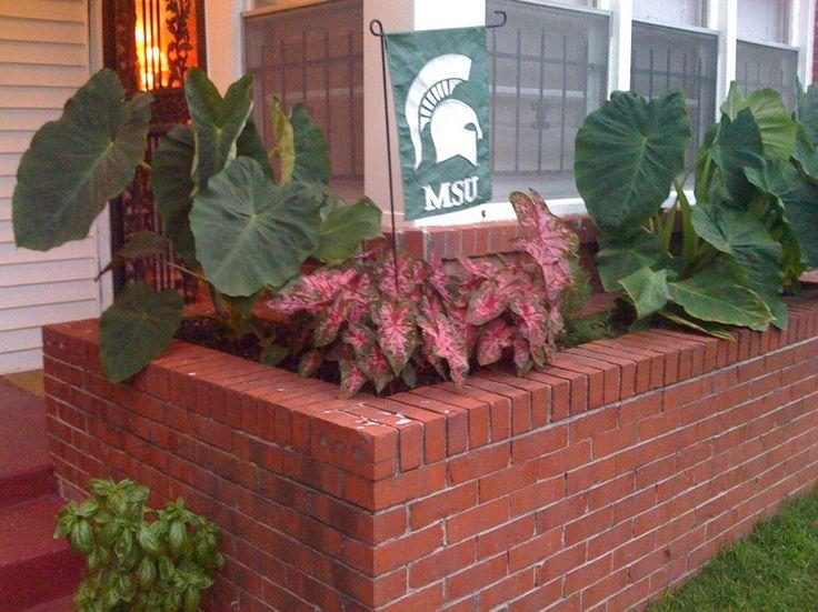 3349c54a766b9f193b80048d82ebd037 brick planter retro renovation