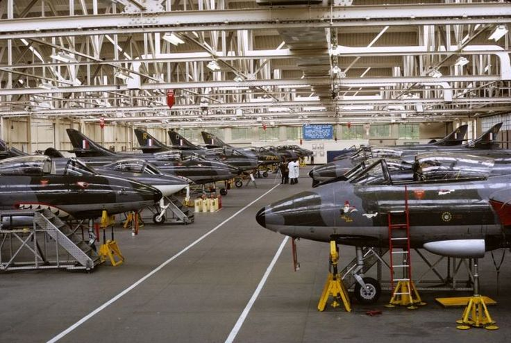 Hunter F.4s of 43, 74 and 112 Squadrons, together with Sea Hawks at No 1 School of Technical Training at RAF Halton Workshops 1971