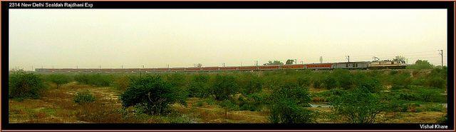 The entire 2314 New Delhi Sealdah Rajdhani Express in a single photo!