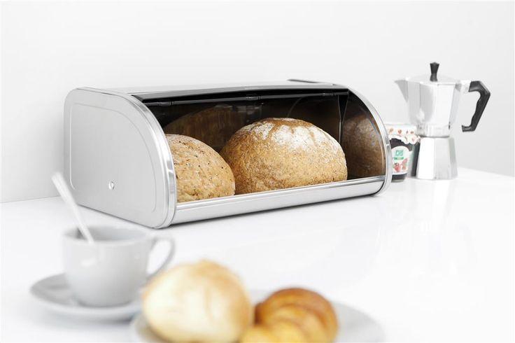 Cutie din inox pentru paine. Eleganta, compacta, solida si durabila, pastreaza painea si produsele de patiserie mai mult timp. Capacul, prevazut cu maner din plastic se deschide silentios cu o atingere usoara, avand un sistem de deschidere cu click. Forma plata in partea de sus a cutiei permite depozitarea unor recipiente, pentru a economisi spatiu.http://www.diqis.ro/content/index/1_1_58_1846/cutie-paine-inox-lucios-touch.html