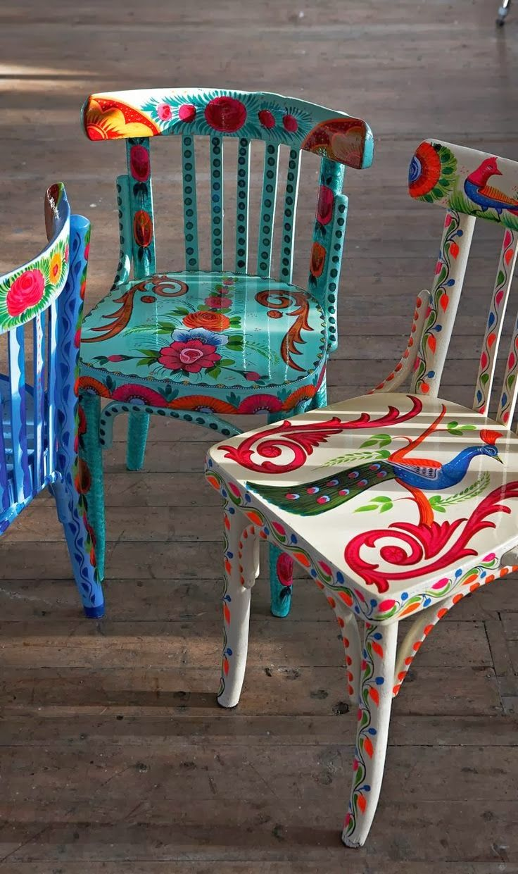 Old chairs brought to life ...