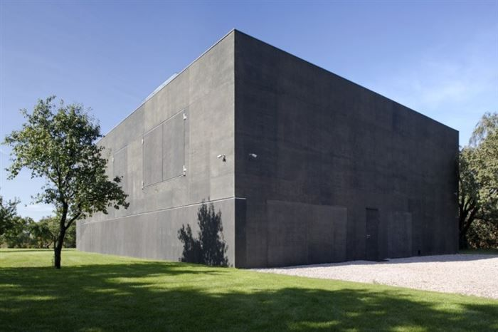 What's+Inside+this+Concrete+Fortress?