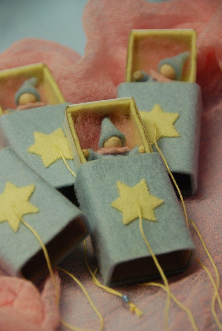 Poppenatelier Severine: Kiekeboe!! tiny people in matchboxes