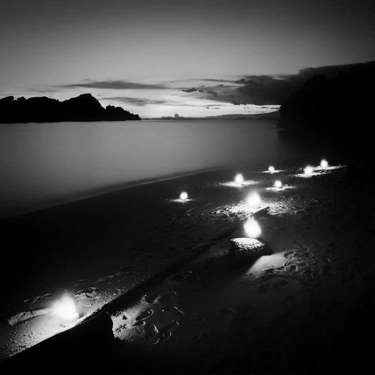 Hengki Koentjoro (Хенгки Коентжоро) — мастер черно-белой фотографии из Индонезии. Его великолепные минималистичные работы уже сейчас являются синонимом мастерства. Мы встретились с Хенгки, чтобы задать вопросы о его творчестве, а также о планах на будущее. Интервью с Hengki Koentjoro читайте на нашем сайте: http://aboveart.ru/portfolio_page/interview-hengki-koentjoro/ Pin❤️Me  Follow us: fb.me/aboveart.ru  instagram.com/above.art.ru  twitter.com/aboveart_ru  vk.com/aboveart  ok.ru/aboveart