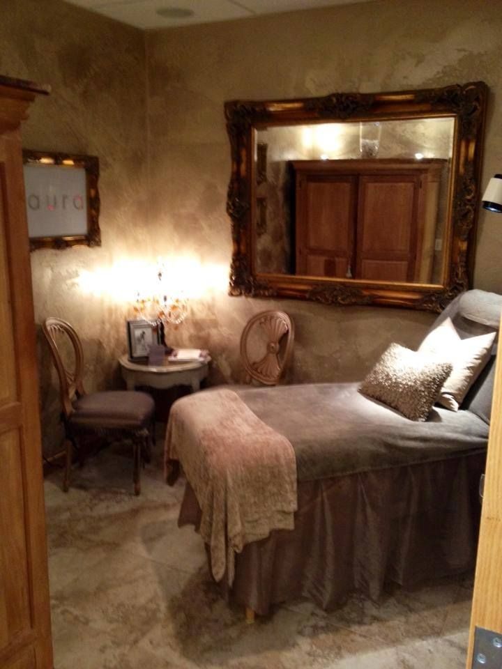 Aura Medical Spa  Day Spa  Massage Therapy Room  Esthetician Room -5589