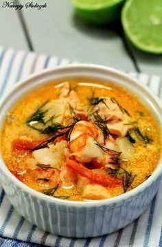 To najlepsza zupa rybna jaką jadłam. Delikatne, rozpadające się w ustach kawałki łososia, sporo warzyw, kremowy bulion i jędrne krewetki. C...