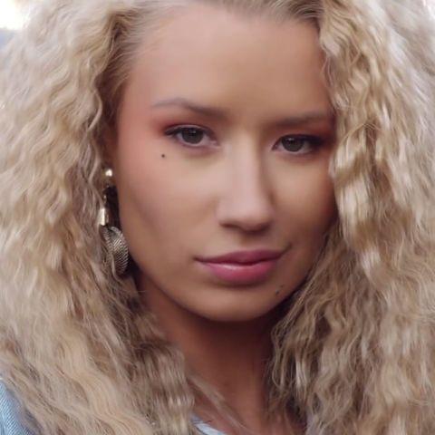 11 of the best beauty looks from music videos: Iggy Azalea in 'Pretty Girls'.