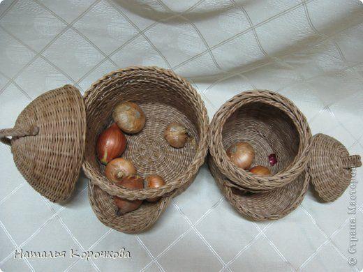 Поделка изделие Плетение Домики для лука с подробностями Трубочки бумажные фото 2