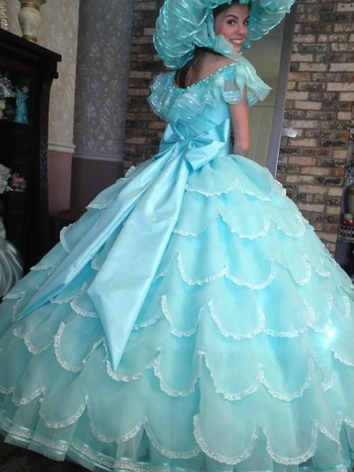 One of the most stunning dresses that I have ever seen....