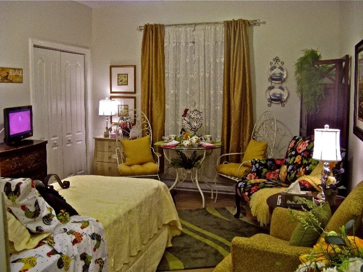 A Daughteru0027s Gift To Her Mother   Redecorating Her Senior Living Space. A  Joyful Cottage