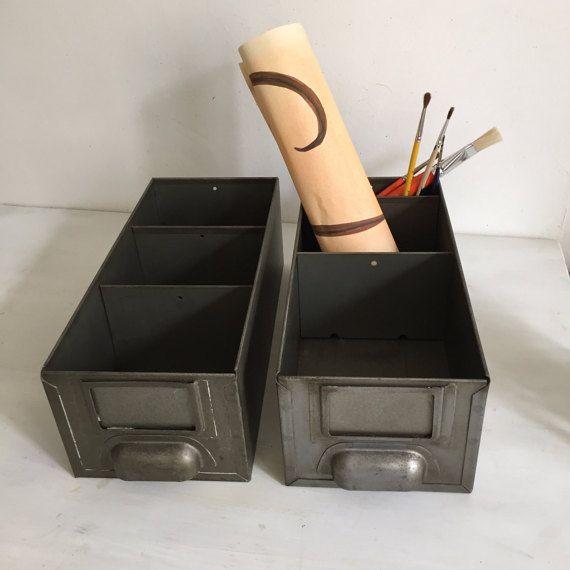 2 casiers métalliques industriels par AllonsChiner sur Etsy