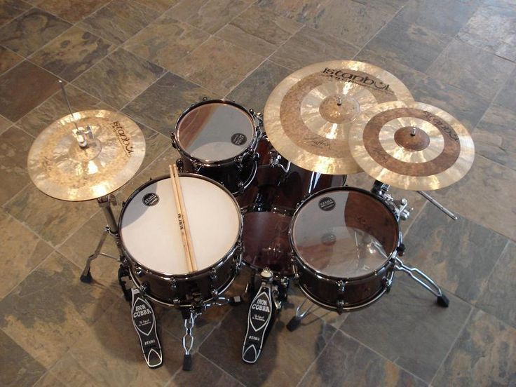 Simple, classy and beautiful! Tama with Istanbul Sultans.....need I say more?