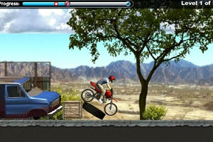 Dirt bike games - Trial Bike Pro  Its you, a load of gnarly jumps, the wide open sky, and the hard, hard ground.    http://www.onlinegames24h.net/dirt-bike-games.html