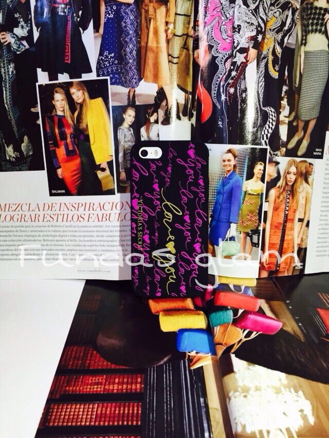 Hermosa case Victoria secret love you disponible para iPhone 5/5s/5c  Envíos a todo México  precios y ventas por whats app 7731326251 o 7725694076  #navidadenfundasglam