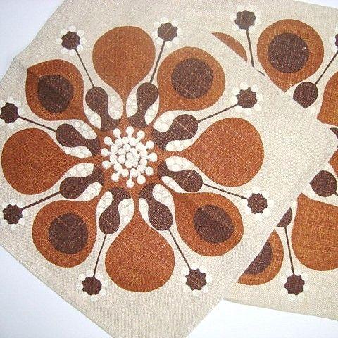 Swedish retro napkins. #retro #napkins #retronapkins #retroservietter #retrotekstil SOLGT/SOLD on www.TRENDYenser.com.