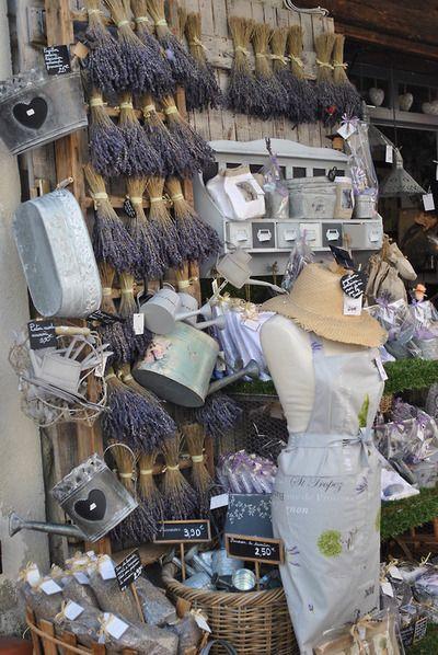 linprobable.blogspot.fr  Le Castellet (Provence)