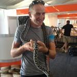 Ian Stannard and snake, tour down under Luke Rowe (LukeRowe1990) on Twitter