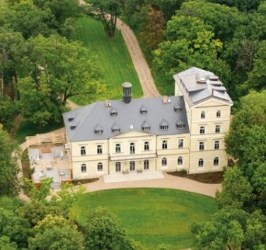 Chateau Mcely, Czech Republic; our coverage on this 17th century 5-star #eco chic chateau! 1 hour from Prague with an amazing spa.