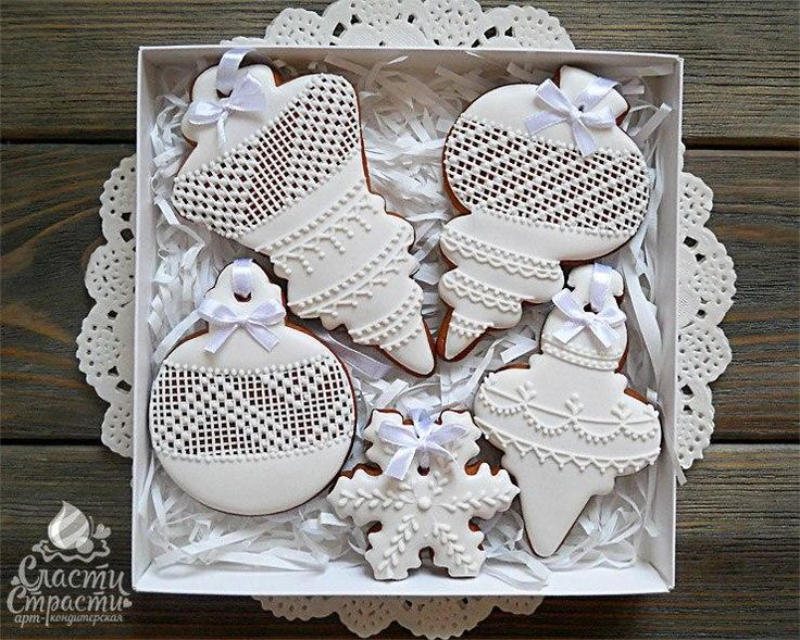 White on white lace Christmas ornaments by Koshantaeva Tatyana, posted on Cookie Connection