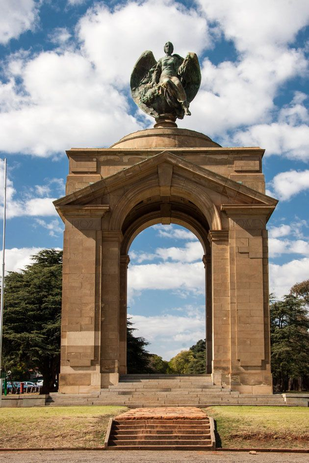 The Anglo-Boer War Memorial http://citysightseeing-blog.co.za/2014/06/07/ditsong-national-museum-of-military-history-johannesburg/