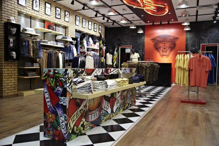 Дизайн интерьера модного бутика Ed Hardy в Бангалоре, Индия