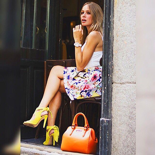 No os perdáis el post de Esmeralda Moya con nuestra bonita falda Hortensia! Podéis ver el post en http://www.emeralds-girls.es/sweet-girl-with-lupita-rodriguez/ o visitar nuestra web en: www.lupitarodriguez.es