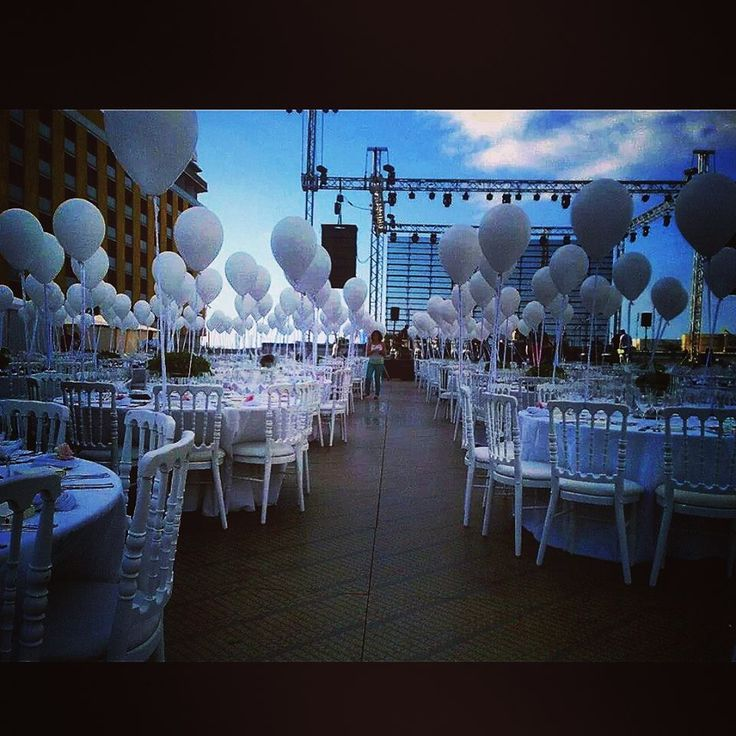 Outdoor Event Decoration White Balloons