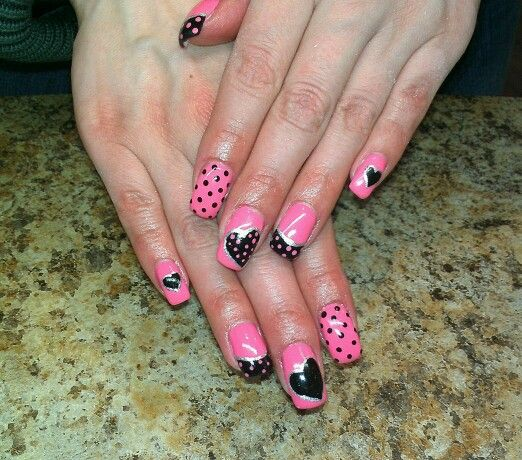Black and pink nails by Tricia