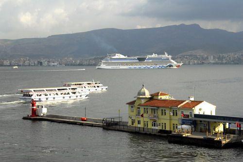 Pasaport, İzmir, Türkiye