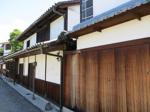 Walls of wood and plaster, Kurashiki