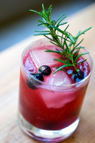 Blueberries, blackberries, lemon and club soda