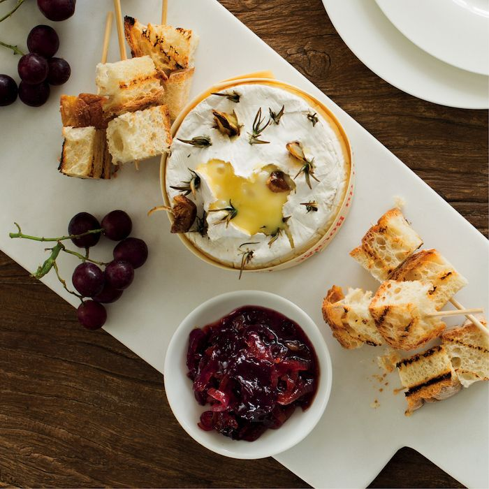 Baked Camembert with red onion jam
