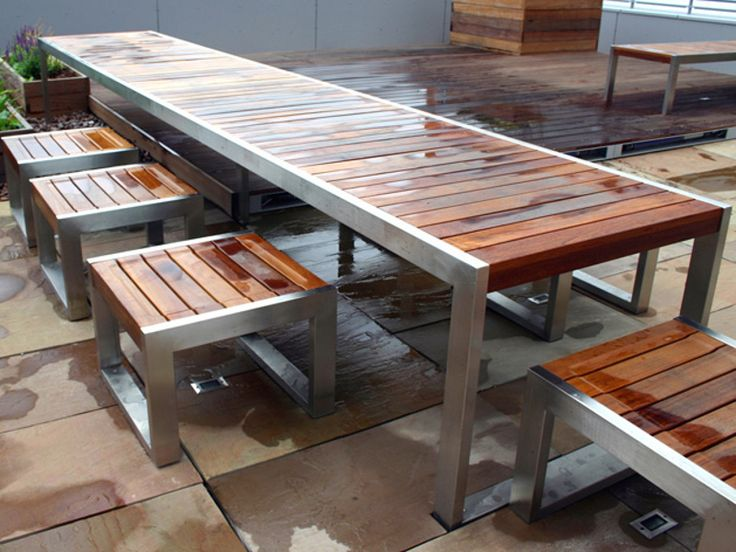 Stainless steel and wood Table for public areas