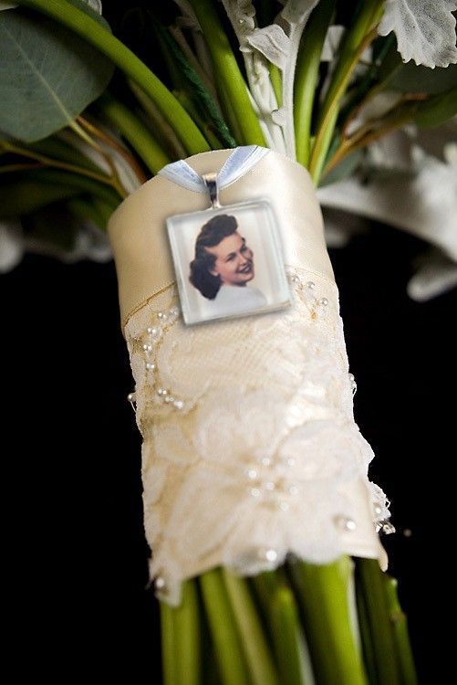 Photo charm for bridal bouquet - love this idea for remembering someone at your wedding.