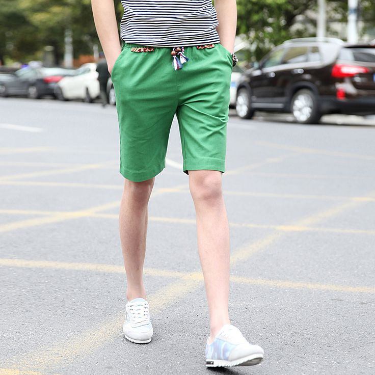 Mens linen shorts can be worn during semi-formal events such as beach weddings as these types of weddings are becoming more and more popular these days.
