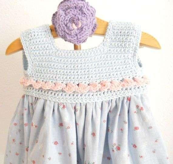 Vestidos de ganchillo: Diseños para niñas - Traje de ganchillo en tono azul pastel