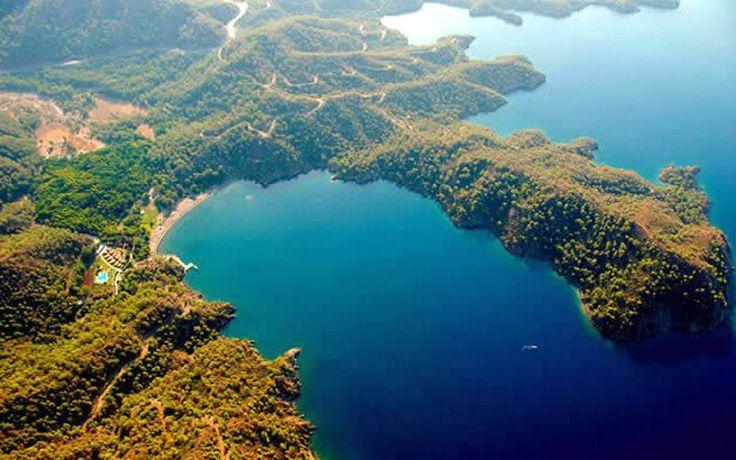 Günlüklü koyu/Fethiye/Muğla/// Plajları ve doğa güzelliğiyle turistlerin vazgeçilmez uğrak yerlerindendir.