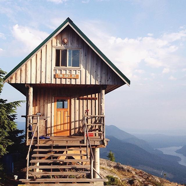 Did you know BC is home to Canada's longest (and only free) hut-to-hut trail system? Stunning views await along the Sunshine Coast Trail, like this one pictured at the Tin Hat Hut - the second highest of the backcountry cabins along this 180-kilometre route.   (photo: @larattan via Instagram) #exploreBC
