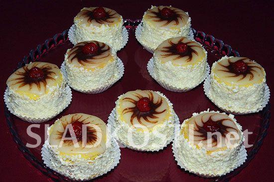 Punčové dortíky s polevou