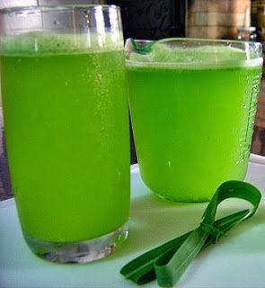 Que tal experimentar o suco de limão  com capim-limão?          Basta liquidificar dois limões com casca, uns dez ramos de capim-limã...