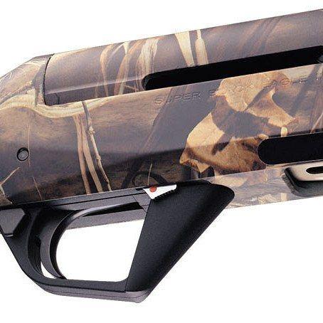 "Super Black Eagle II 12 ga. the shotgun of ""Duck Commander"". Super Black Eagle II, cal. 12 il semiautomatico preferito dai ""Duck Commander"". #benelli #shotguns #duckcommander #picoftheday #gun #gunstagrammers #gunstagram #gunlife #hunt #huntinglife #hunting #caccia #cacciatore http://misstagram.com/ipost/1547036310416708346/?code=BV4LVPpBNL6"