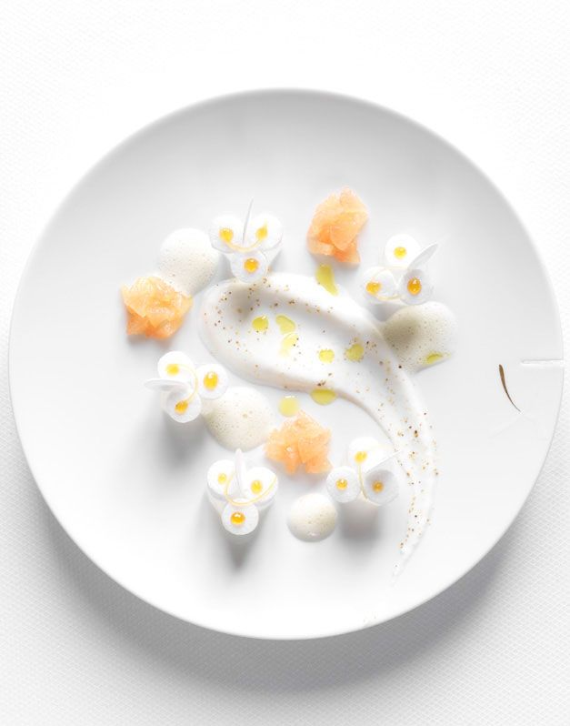 aloé véra poché et rafraîchi au pamplemousse rose, faiselle poivrée et jus à l'huile d'olive