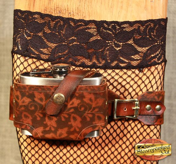 Lederen Steampunk been Kousenband w / kolf Made door SteampunkedOut
