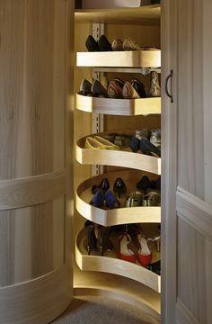 Gardrób a sarokban - ötletek | Fotó via pinterest.com