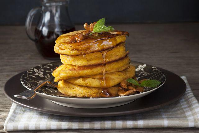 Voici une recette qui étoffera à merveille votre répertoire de déjeuners du week-end. Ces crêpes savoureuses gagneront certainement la faveur de toute la famille!