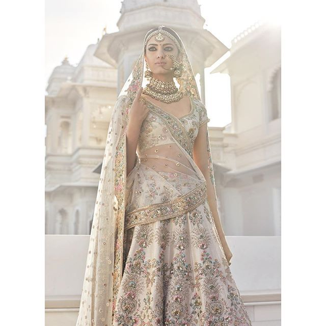In a brides world, there are few things more exciting than a new Sabya collection, and when he unveils it on Instagram, with tons of drool worthy photos - well then that's a day to bookmark in your calendar, grab...