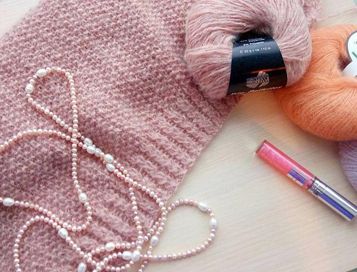Мой новый проект, кардиган из шикарной пряжи Dito Paillettes с мелкими прозрачными пайетками. И как всегда, смешаю с любимым кид-мохером на шелке 💣  #knitting#вязание#loveknitting#handmade#ручнаяработа#knit#instaknitting#knittinglove#вязаниеспицами#вязаныйкардиган#кардиган#красота#модныйтрикотаж#шелк#мода#стиль#beautiful#instafashion#style#streetstyle#fashion#вязанаямода#мохер#вязанаяодежда#длинныйкардиган